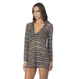 Kenneth Cole Reaction Hooded Swim Cover Up ▪️